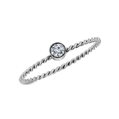 Braided ring in size 6