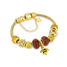 Charm Bracelet with bee in gold